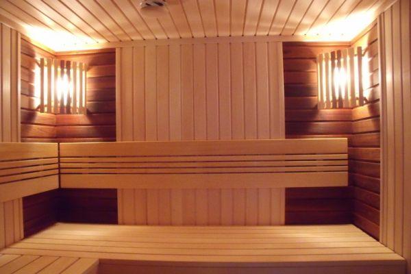 sauna_11_417FC66A5-7732-D6AE-53E3-3195CF3ADD97.jpg