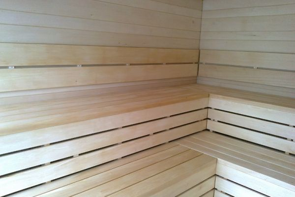 sauna_12_3E851A7AF-94F3-2706-0C2E-9B3F32975C6A.jpg