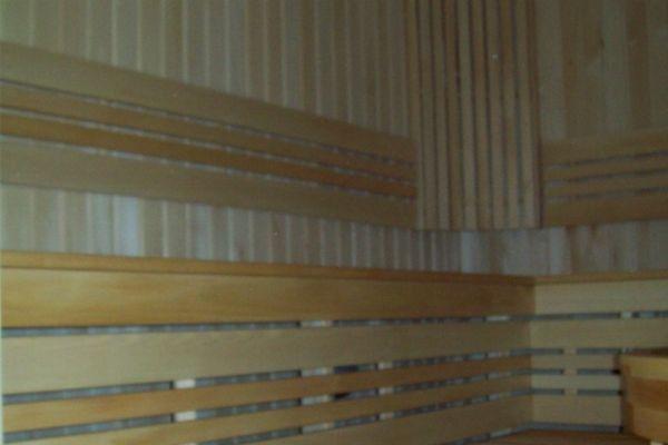 sauna_21_7CE1E67E3-7733-25FB-DAAC-2E8186E1C43D.jpg