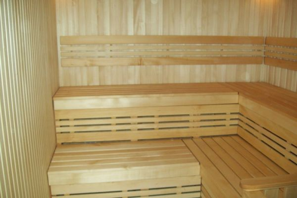 sauna_22_24718FE73-68ED-B62E-9ABC-8F90391A5D1A.jpg