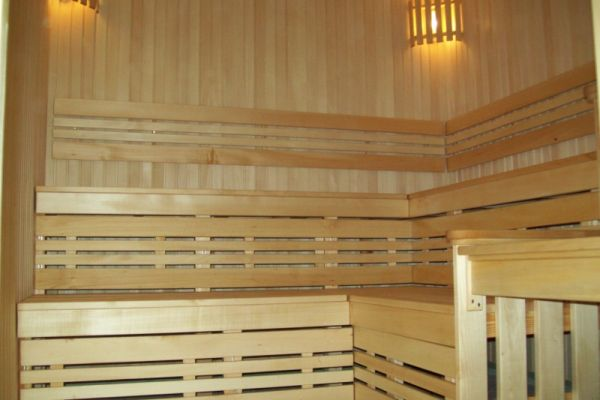 sauna_22_544BB0A00-DC45-850B-290F-F6980ED8AA41.jpg