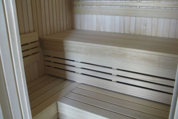 sauna_23_5831FAECD-4C2E-6332-2B79-73C31A5C9434.jpg