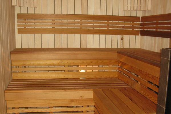 sauna_24_10235CB858-BA8D-2FBC-807B-2316AFFF7350.jpg