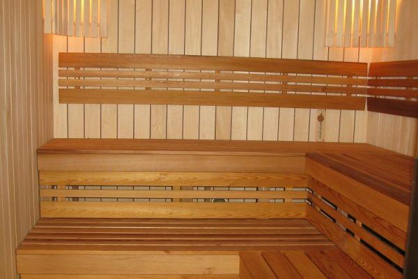 sauna_24_8405AC8F3-98BC-E242-A816-0141C7244BFA.jpg