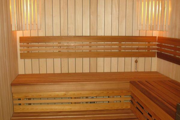 sauna_24_9A7060665-F527-4A5C-DDB0-ED13650FC7CC.jpg