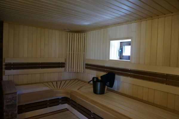 sauna_25_13762515F-F6A4-81C3-04B8-29604F6B3EE0.jpg