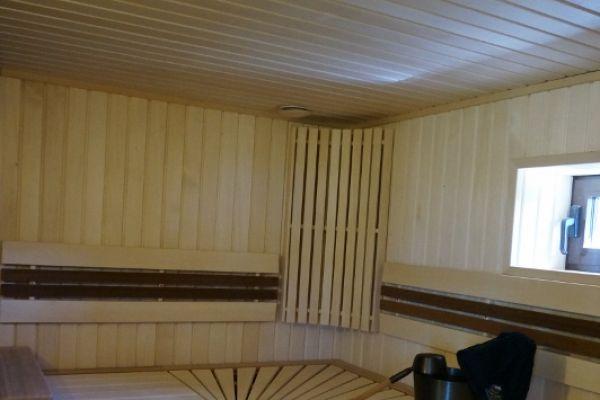 sauna_25_2D602C502-6676-AD36-099D-E61BFDB80579.jpg
