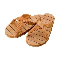 Pirties_saunos_slepetes_WOODEN SANDALS